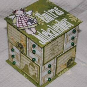 emiras julekalender 19494547 290x290 Скрапбукинг. Мастер класс Новогодняя коробочка для мелочей